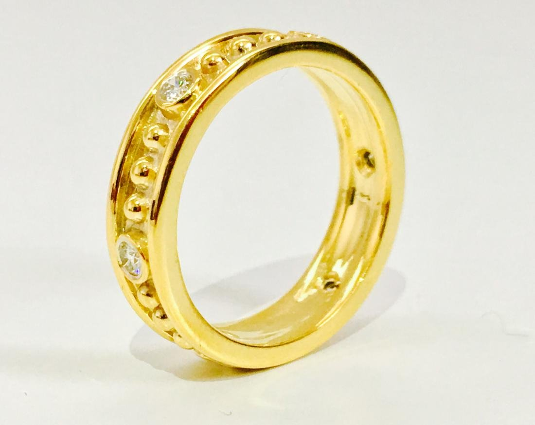 18K gold, 0.48 CT diamond band. VS clarity and G color. - 3