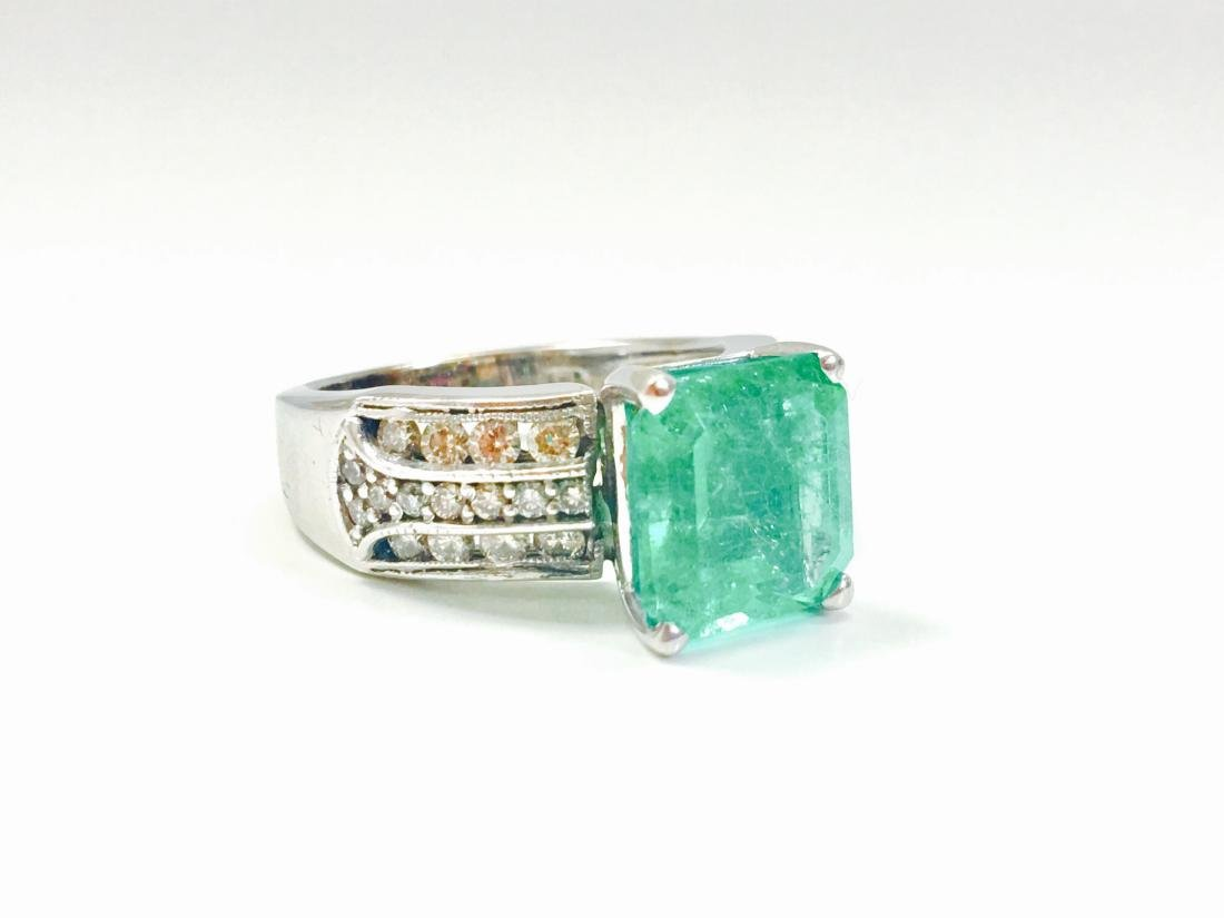 6.00 Carat Colombian Emerald and Diamond Ring - 2