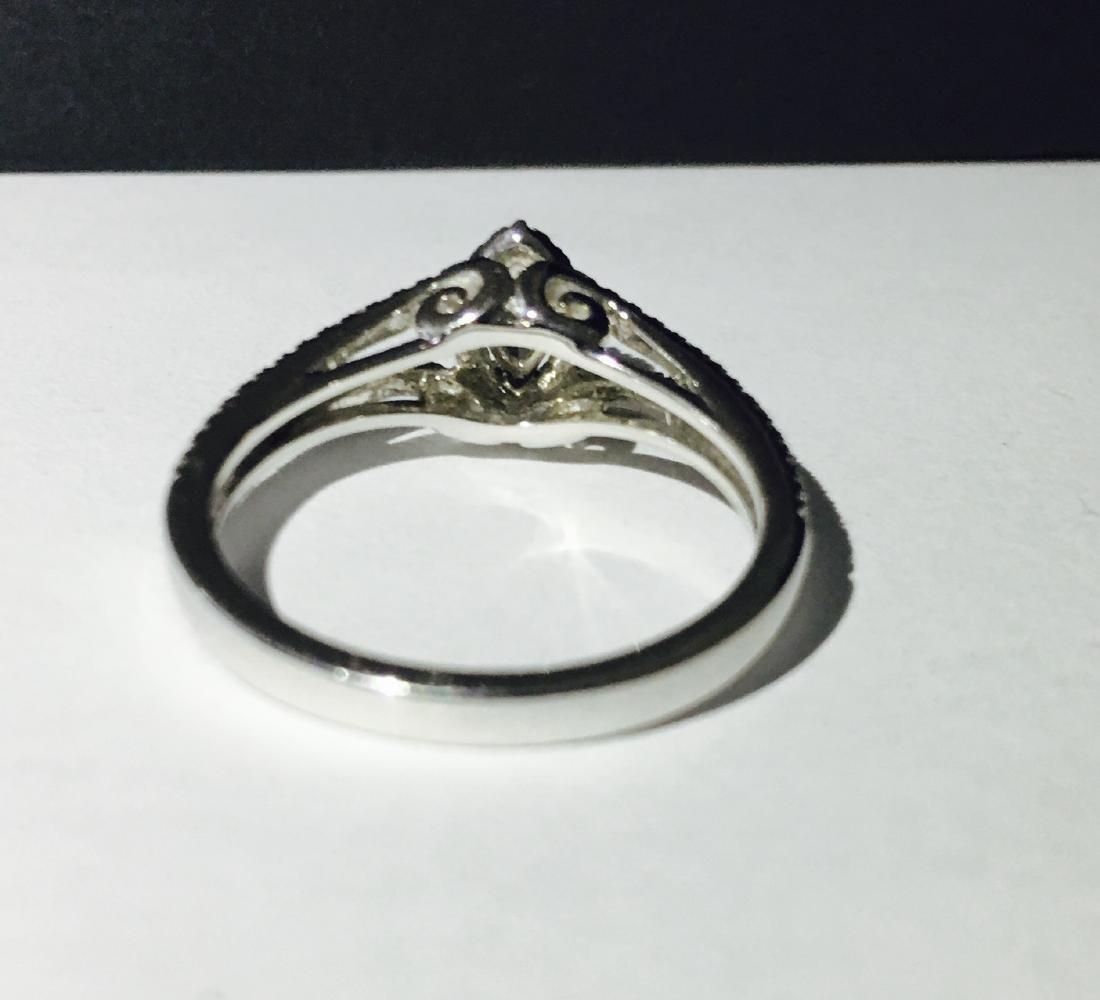 14K white gold, 0.48 carat Diamond Engagement Ring - 5