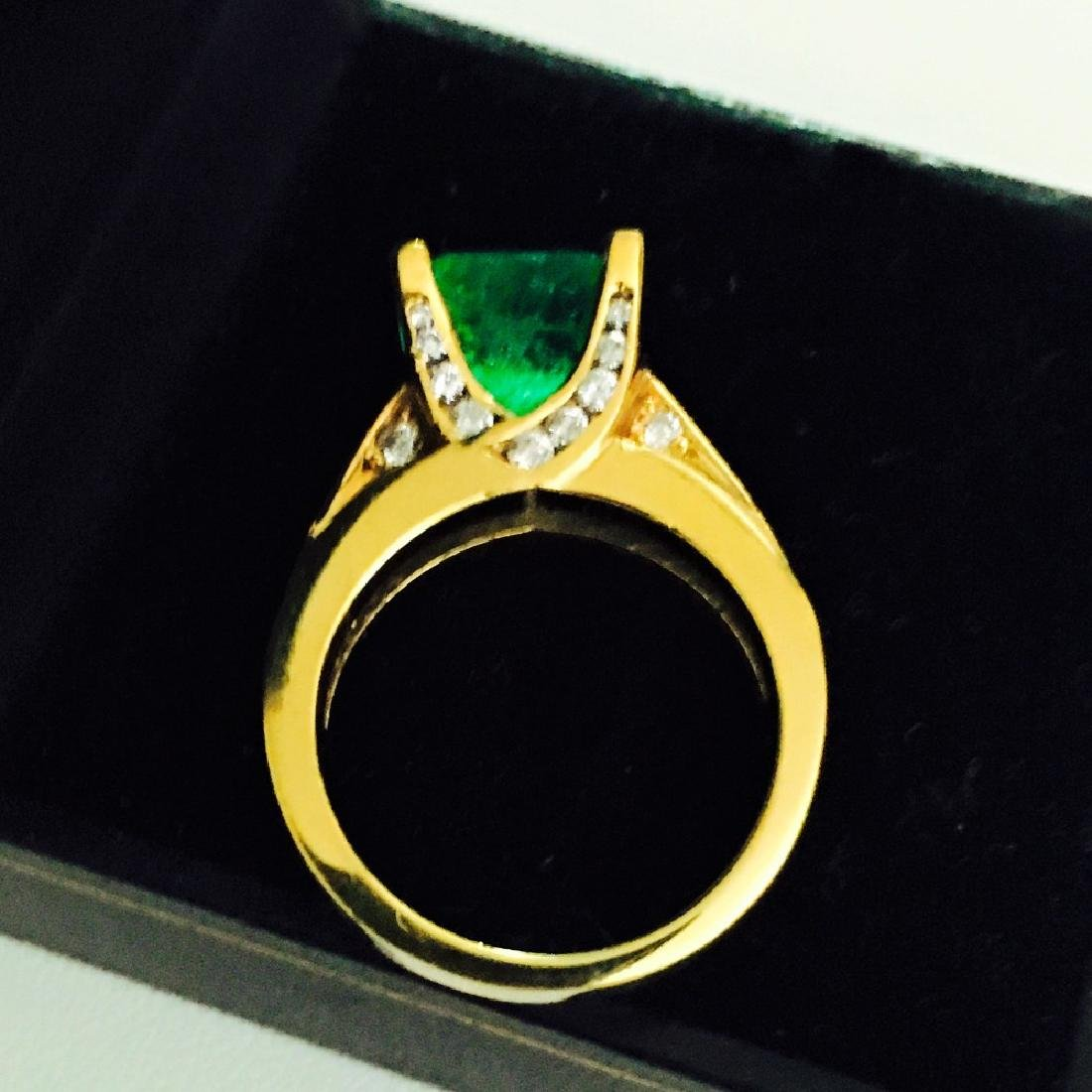 18k Gold, Diamond And Colombian Emerald Ring (GIA) - 4