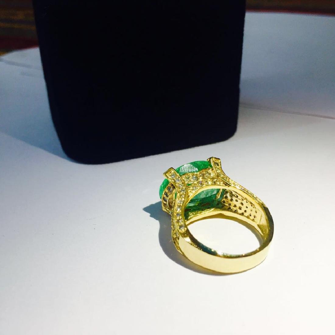 14K, 11.50 Carat Colombian Emerald and Diamond Ring - 4