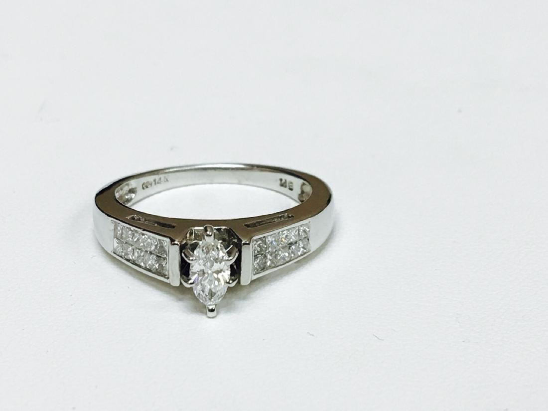 1.00 CTW VS-SI Marquise Diamond Engagement Ring