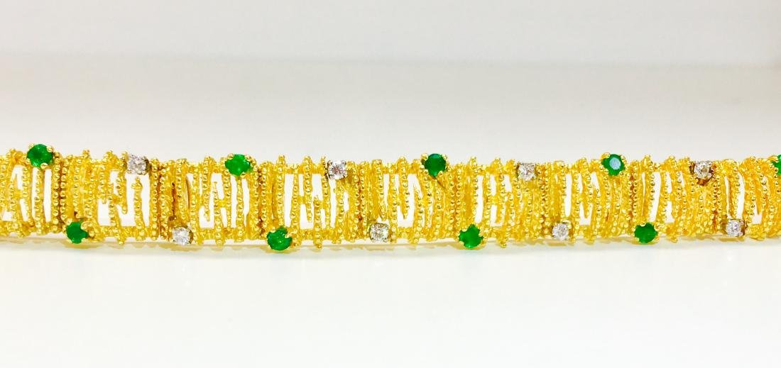 18K Gold, Emerald and Diamond Bracelet La Triomphe - 4