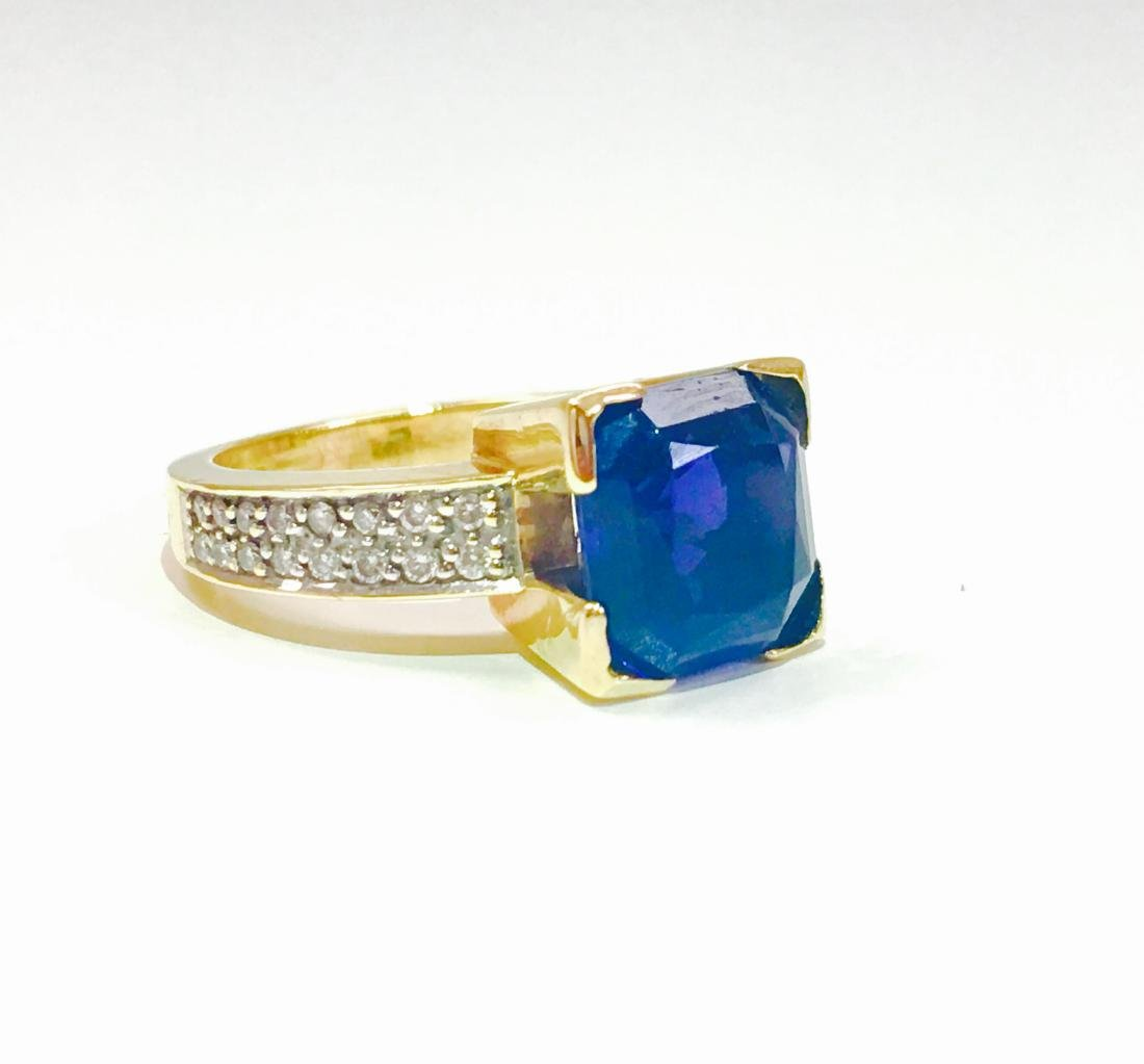 14K Blue Sapphire And ROUND BRILLIANT CUT DIAMOND RING - 2