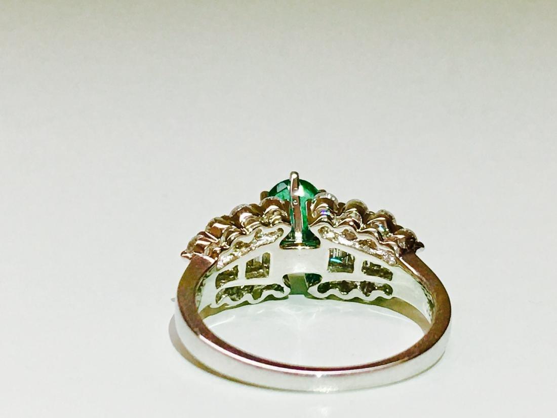 14K white gold, Emerald and VS diamond Ring - 5
