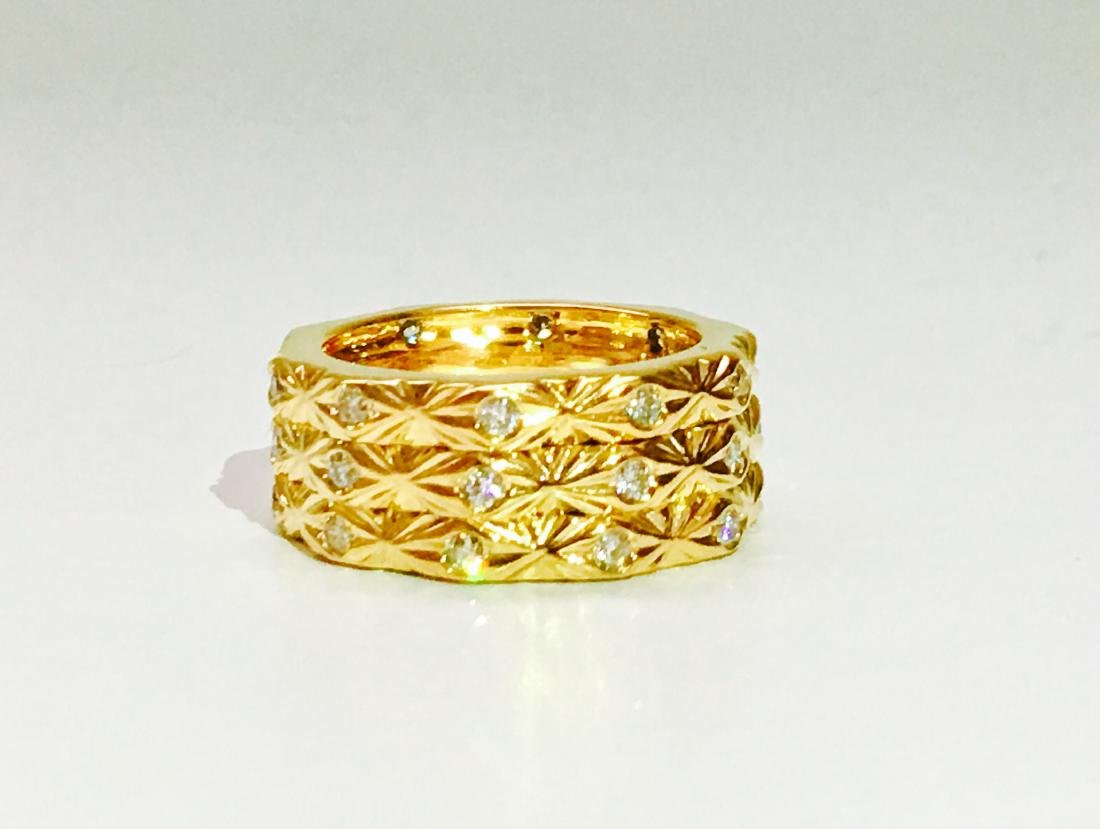 18K yellow gold. 0.75 Carat Diamond ring. BVLGARI style