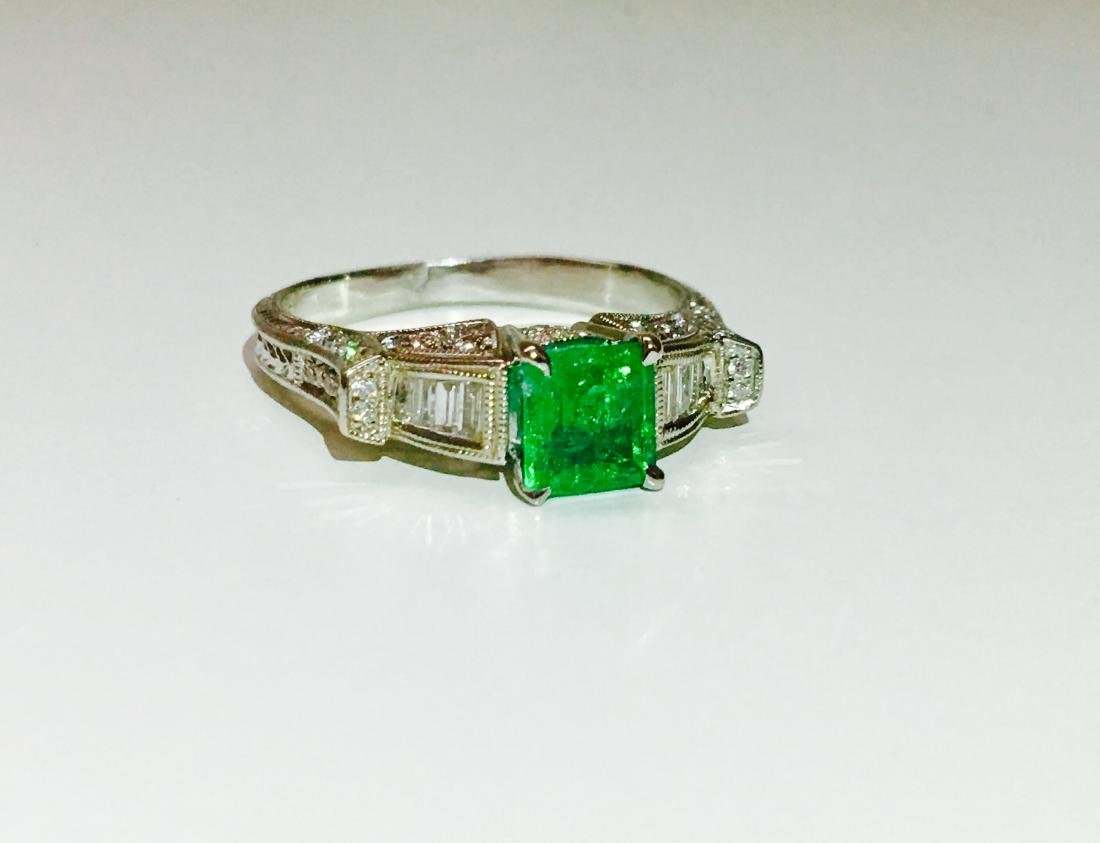14k white gold. 1.5ct Emerald and Diamond Ring - 2