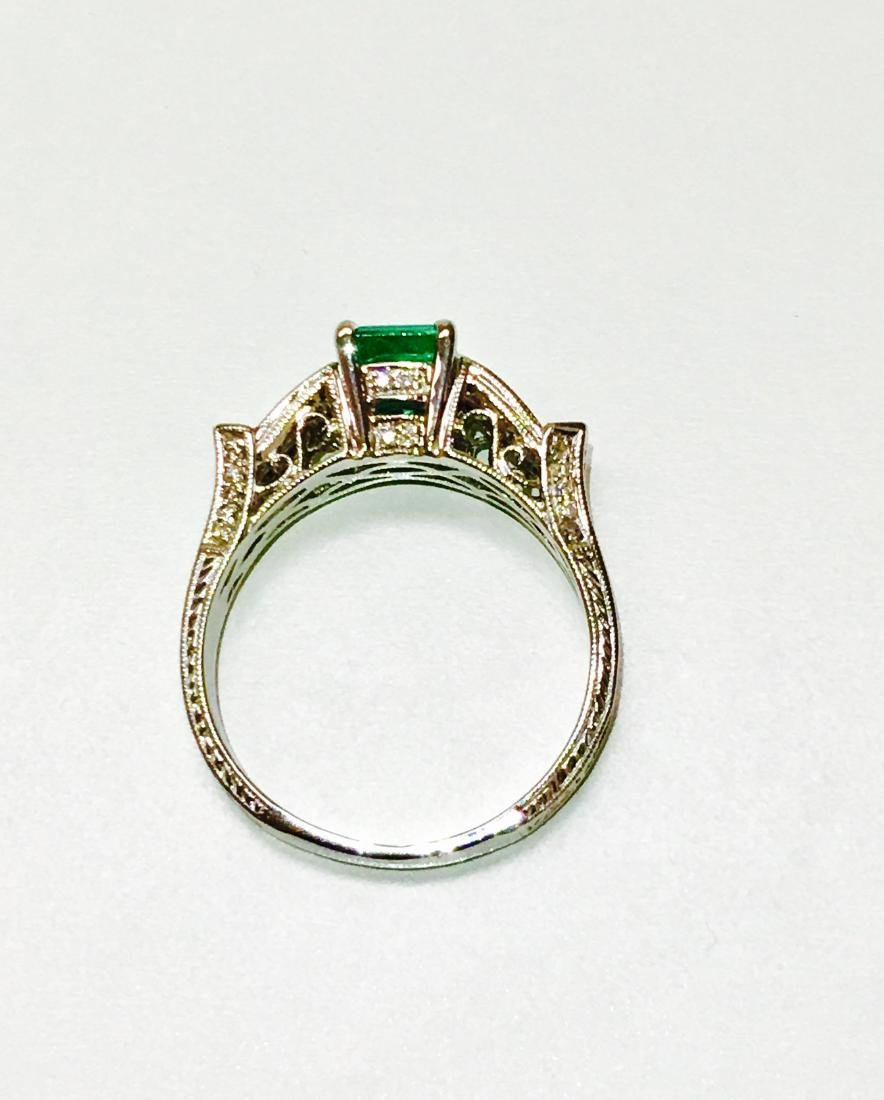 14k white gold. 1.5ct Emerald and Diamond Ring - 4