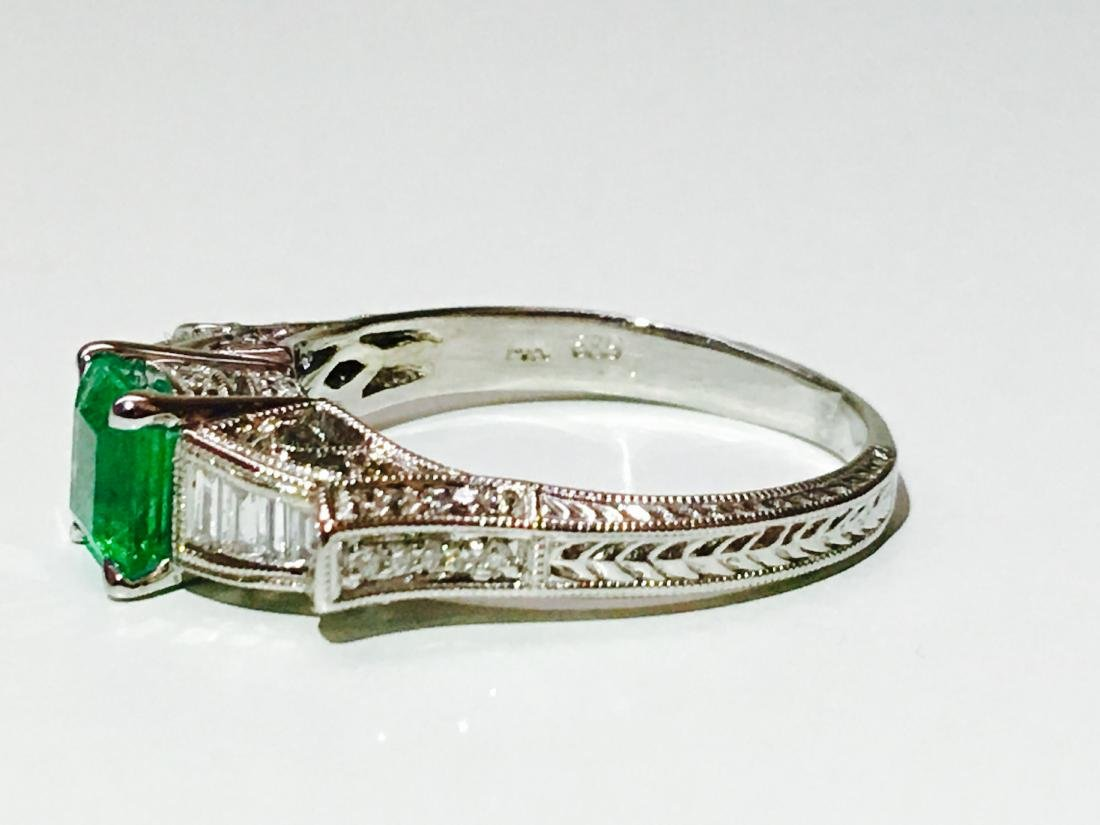 14k white gold. 1.5ct Emerald and Diamond Ring - 5