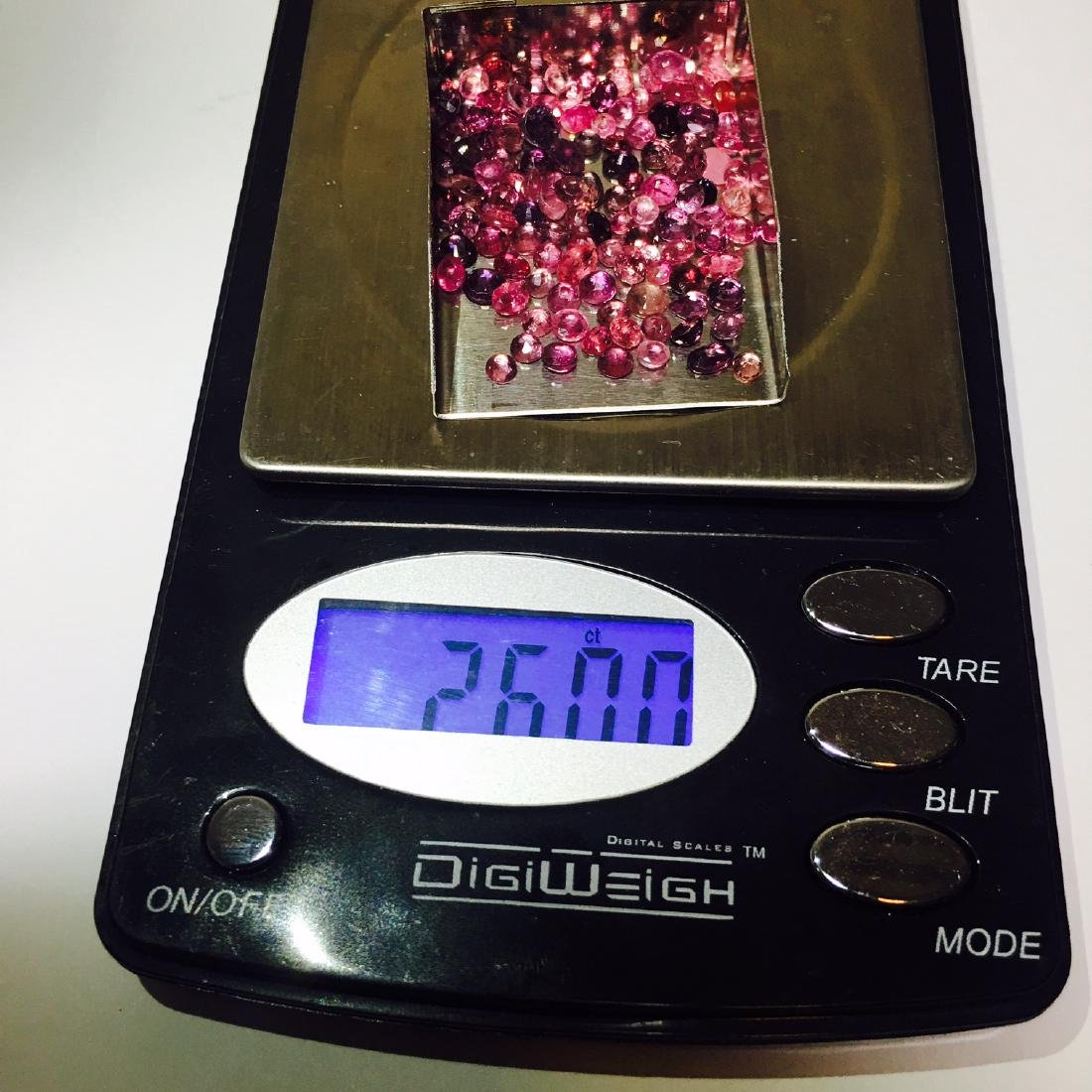 10.60 carat Ruby and color changing sapphire lot. - 3