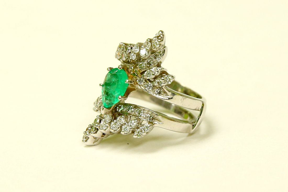 14K Gold, 5.50 Carat Colombian Emerald and Diamond Ring - 2