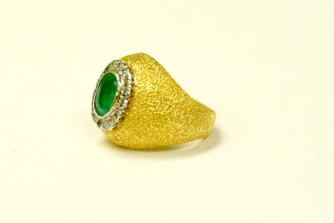 18k Gold Vintage 2.5 ct Emerald And Diamond Ring - 2