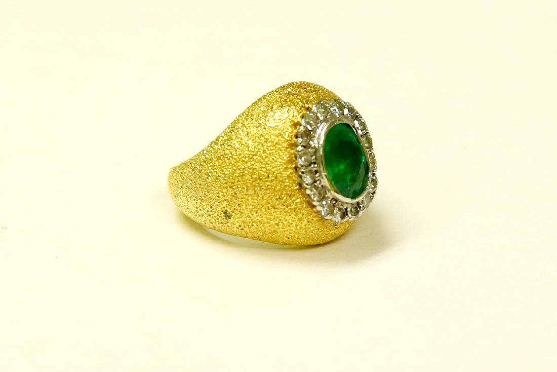 18k Gold Vintage 2.5 ct Emerald And Diamond Ring - 3