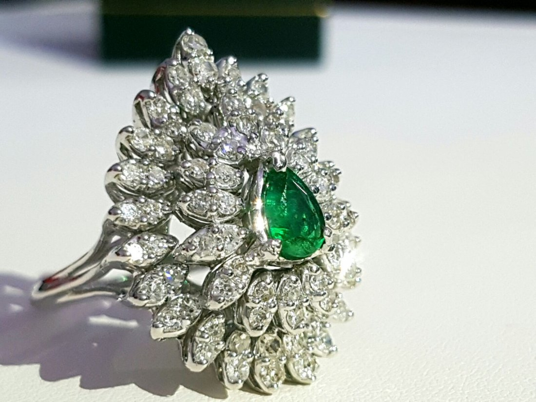 14k gold 4.5 ct Diamond & COLOMBIAN EMERALD RING - 2