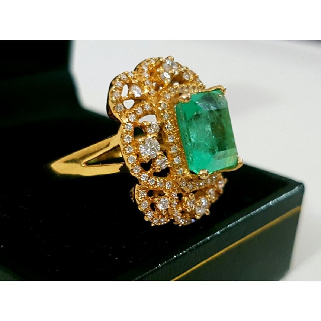 18k Gold Vintage 6 ct Emerald Diamond Cocktail Ring - 2