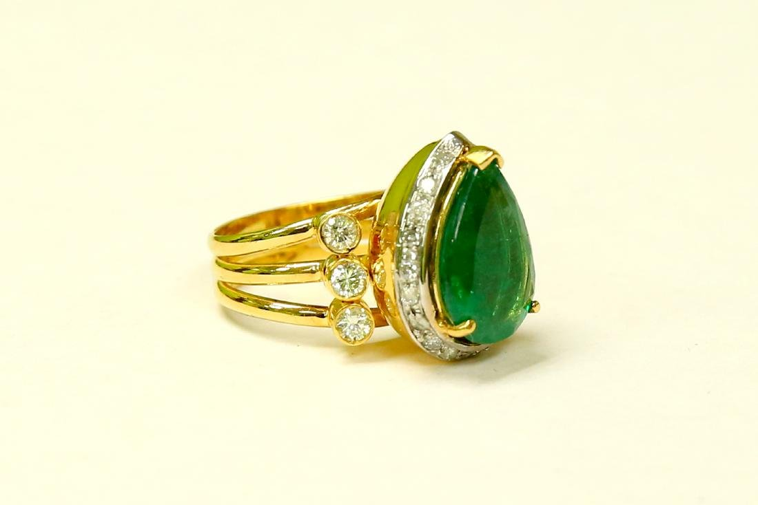 18K Made In Italy Emerald Diamond Cocktail Ring - 2