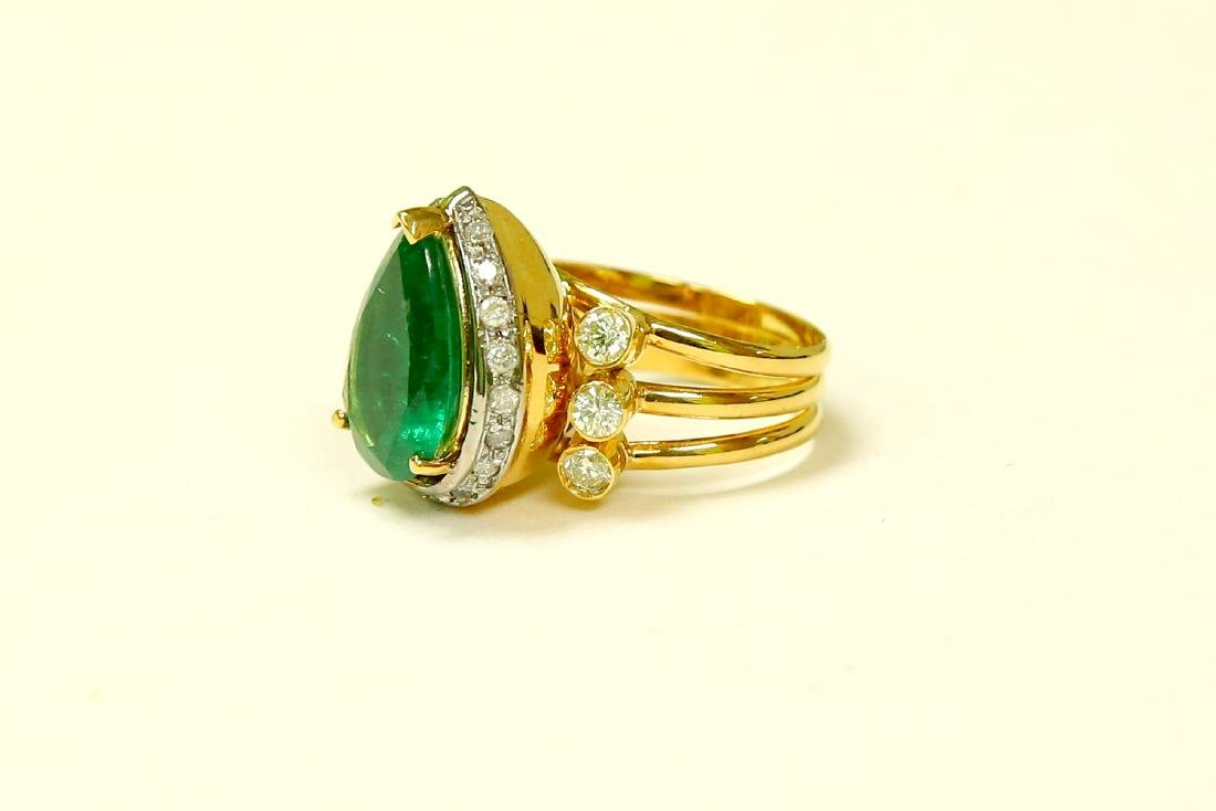18K Made In Italy Emerald Diamond Cocktail Ring - 3
