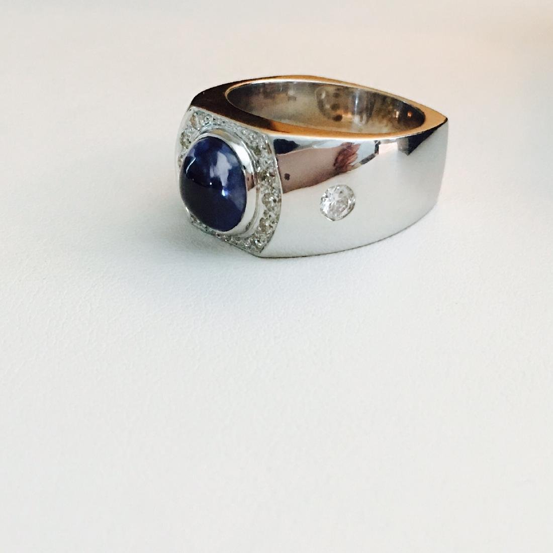 3.50 CT Blue Sapphire, VVS Diamonds in 18k gold ring. - 2