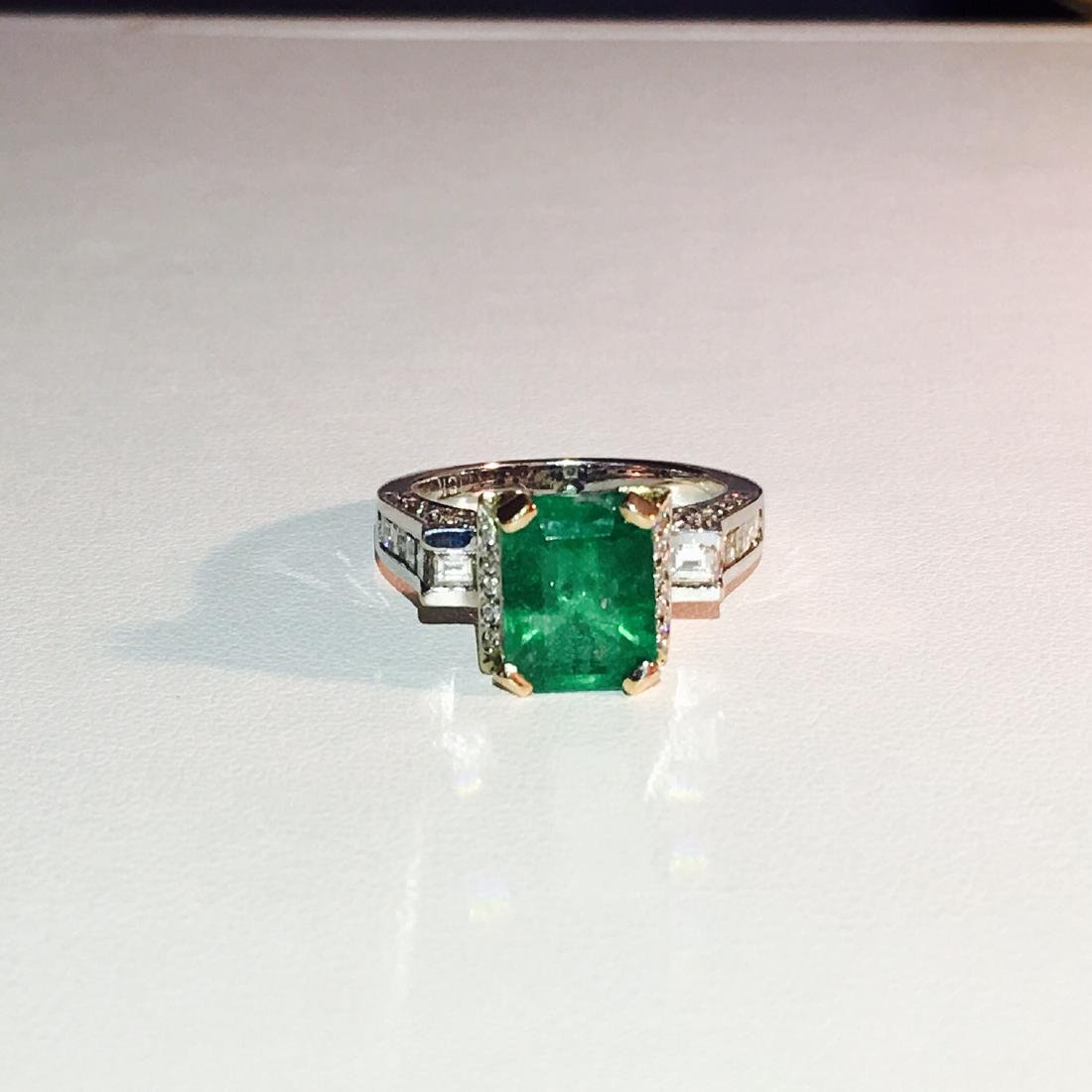 18k White Gold High Quality Diamond And Emerald Ring