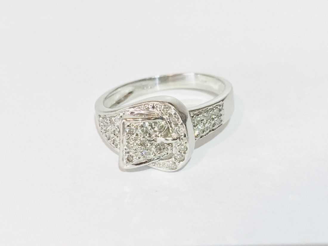 1/4 carat diamonds, VS/G in 18K white gold  Vintage!