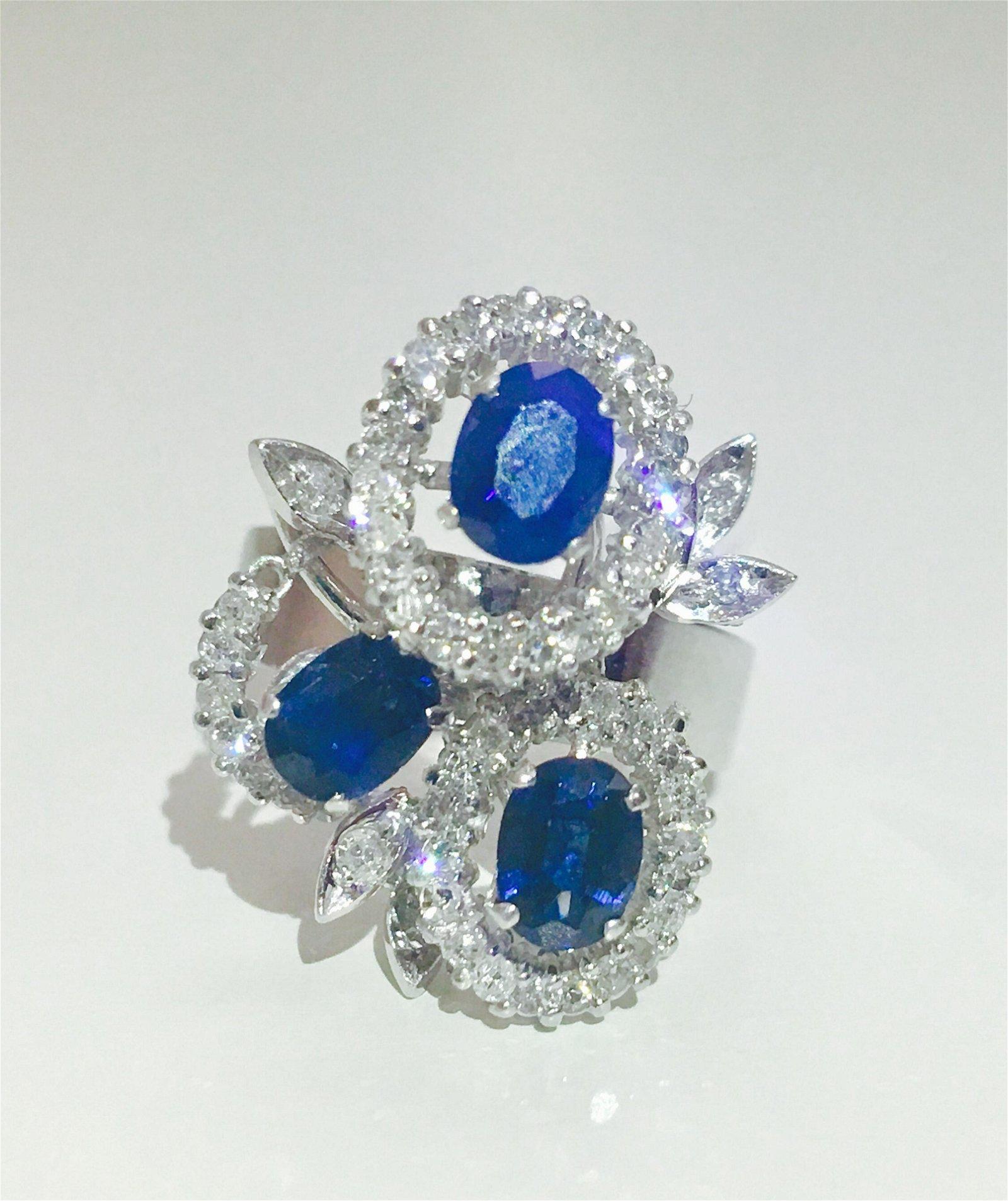 18K White gold. 3.00 CT Diamond & Blue Sapphire Ring