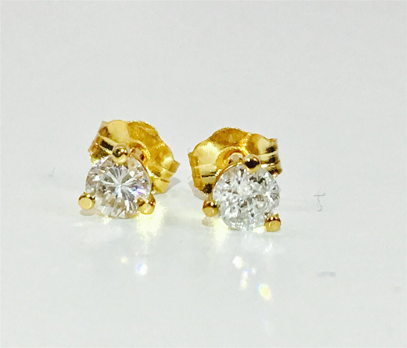 14K Yellow gold, 0.33 CT VS-SI Diamond Studs/earrings