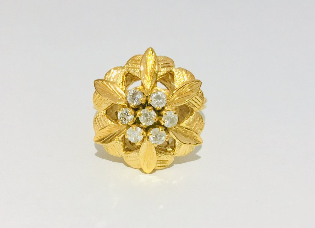 Vintage Open Flower Ladies Diamond & Gold Ring