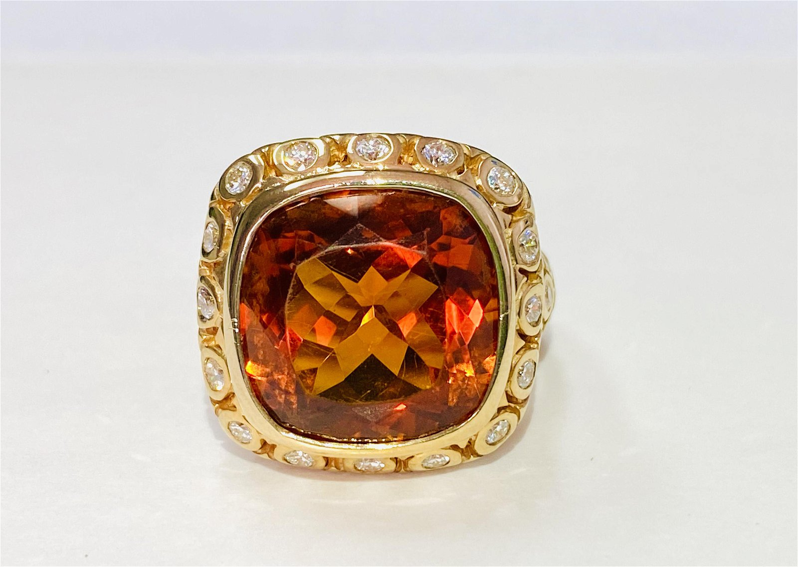 18k Yellow Gold, 13.50ct Citrine & Diamond Ring