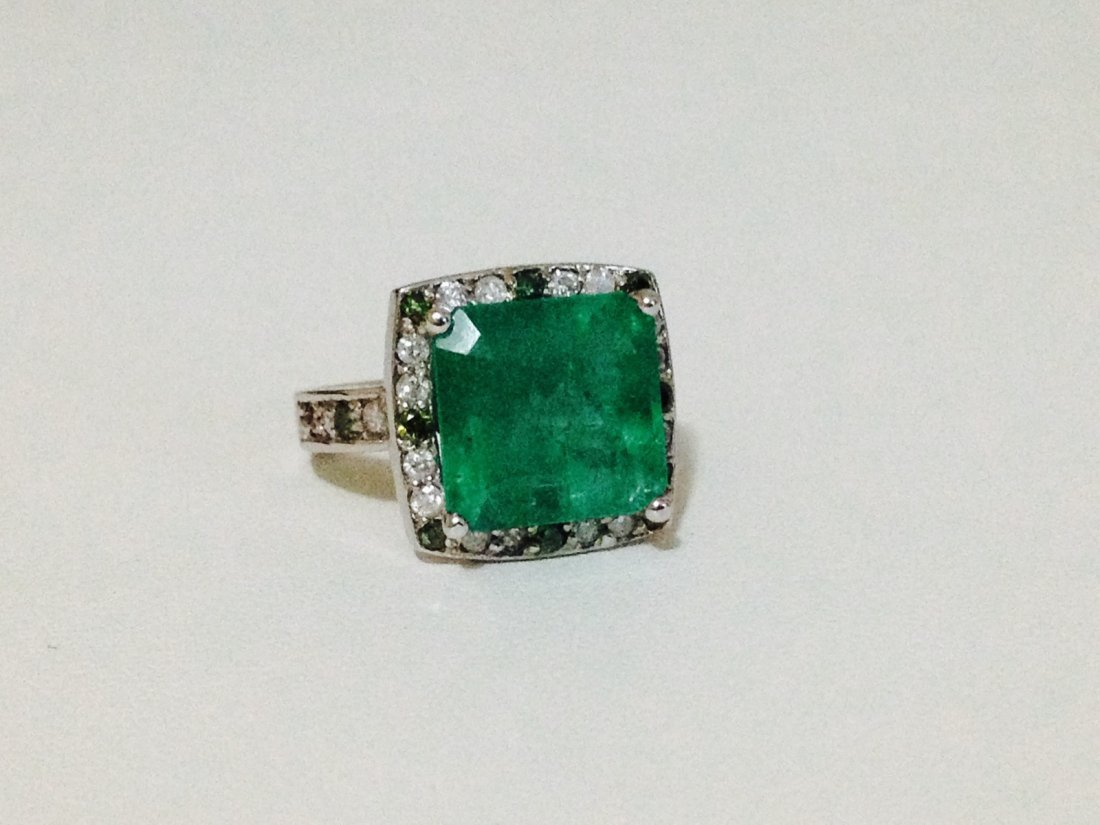 14k White Gold Emerald And Green Diamond Ring