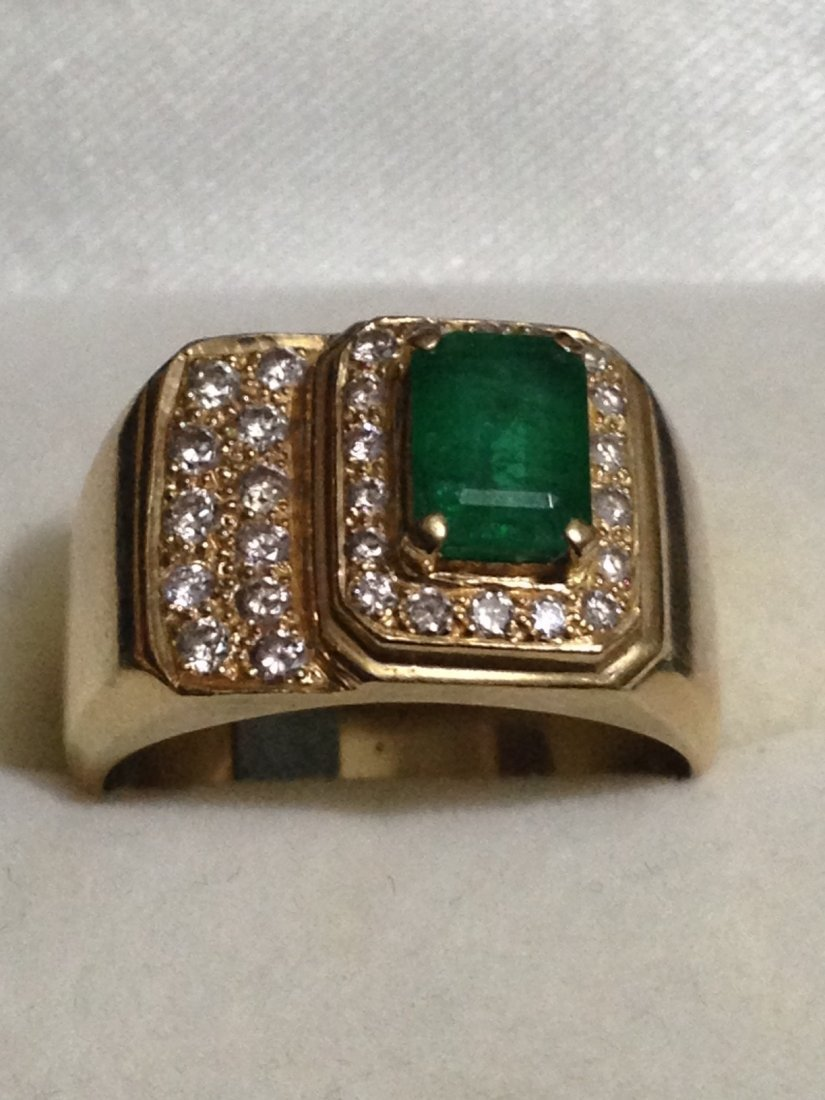 18K GOLD Mens Emerald And Diamond Ring $5900