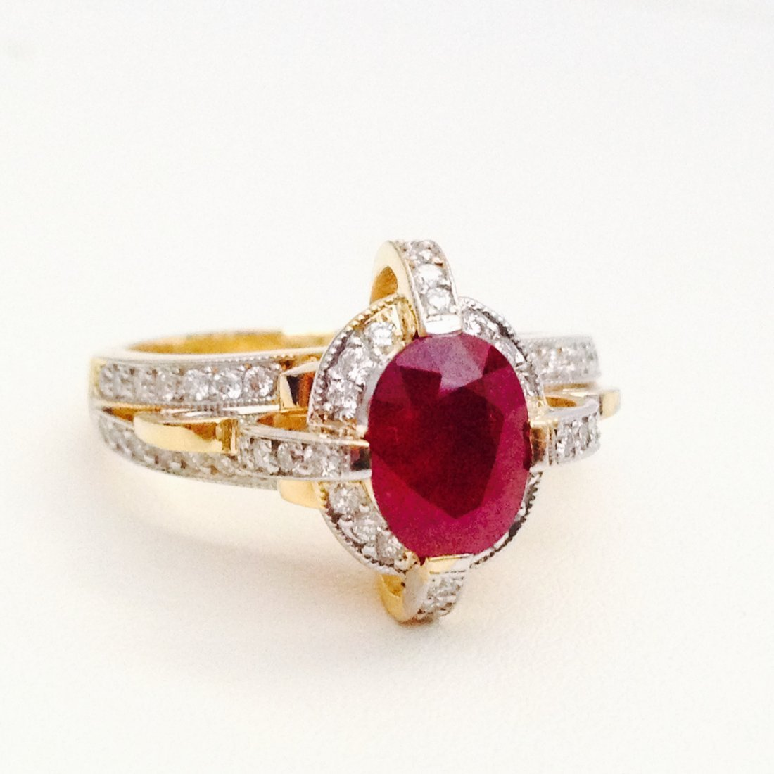 18K GOLD DIAMOND AND 100%NATURAL RED RUBY