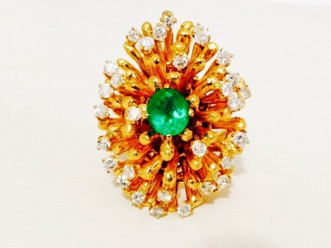 18k Emerald and Diamond Cocktail Ring ( Vintage ) **