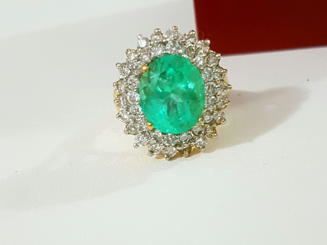 14K HIGH QUALITY DIAMOND AND COLOMBIAN EMERALD RING