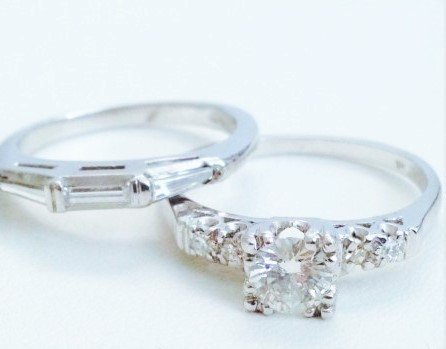 VINTAGE PLATINUM DIAMOND ENGAGEMENT RING & DIAMOND BAND