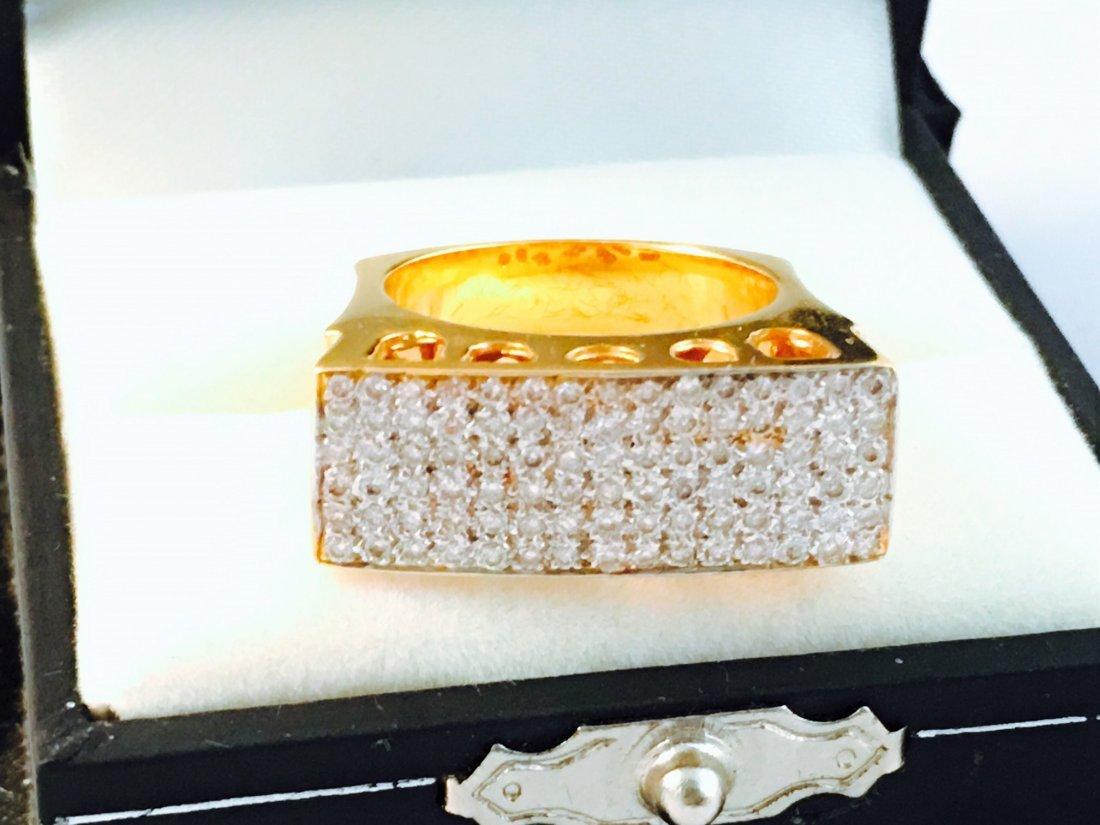18K Yellow Gold and White Diamond RING