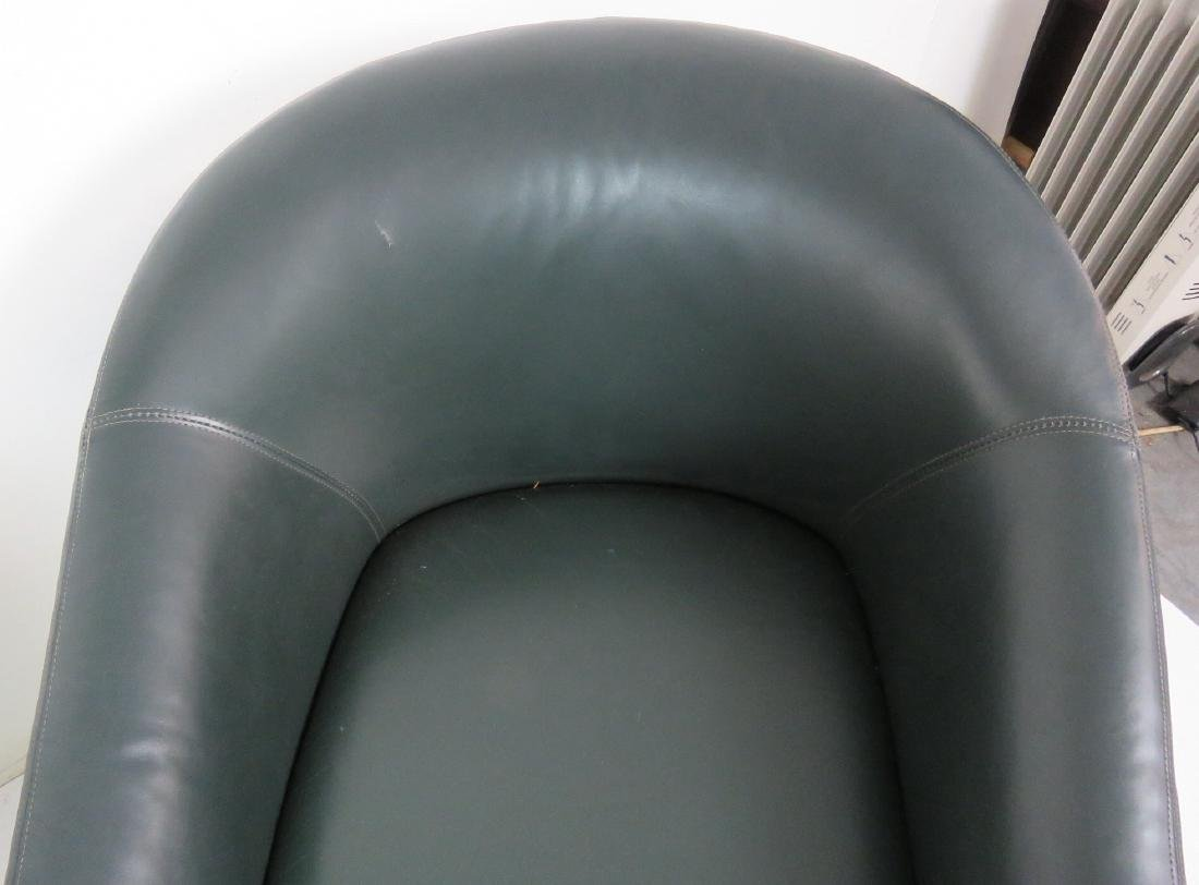 4 HICKORY SEATING GREEN LEATHER ROUNDABOUT CHAIRS - 3