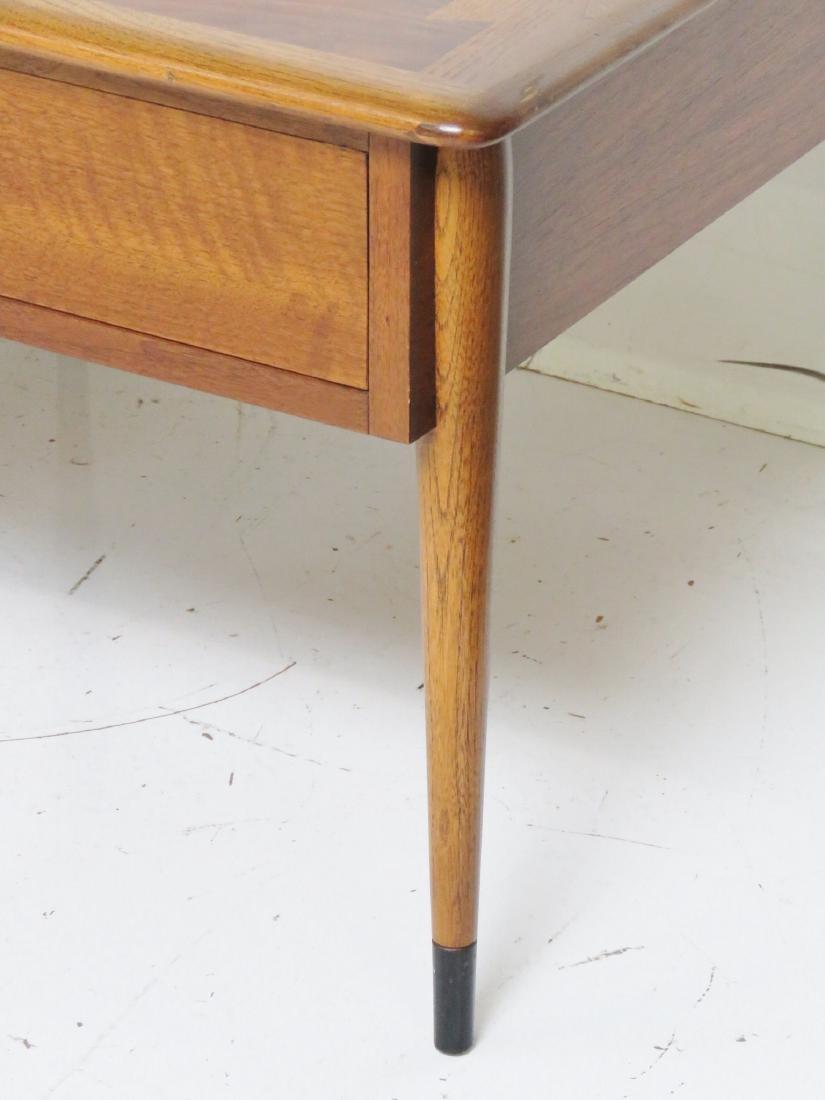 Pair MODERN DESIGN LANE END TABLES - 3
