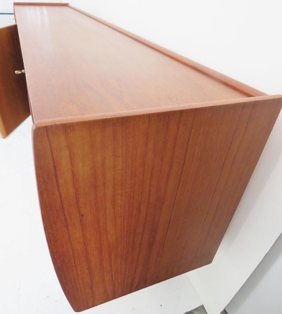 NORWEIGAN MODERN WALNUT SIDEBOARD - 8