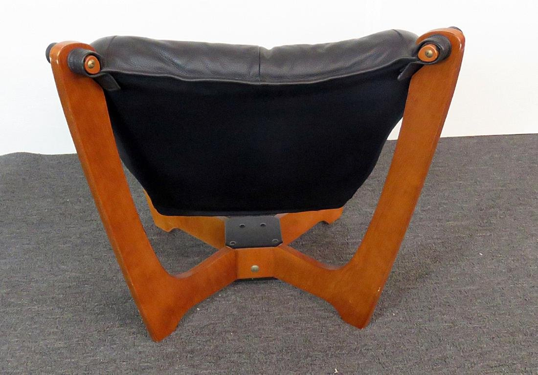 MCM CHAIR WITH LEATHER UPHOLSTERY - 4
