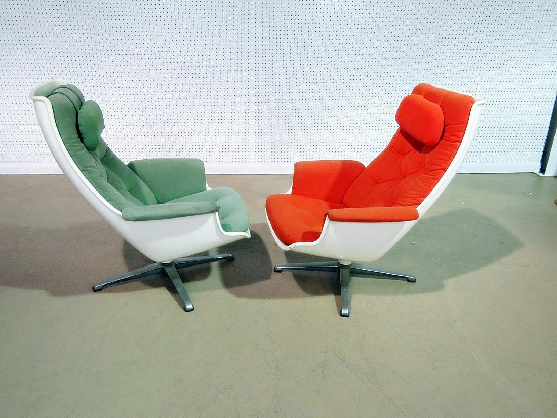 COMPANION PAIR EAMES STYLE LOUNGE CHAIRS - 4