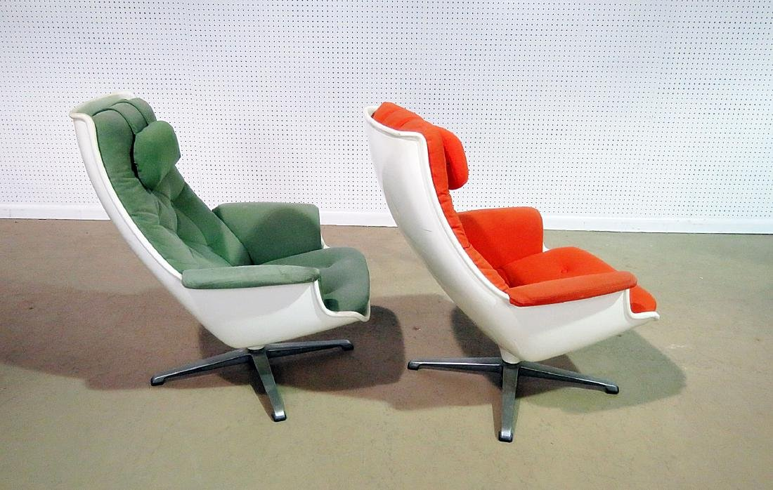COMPANION PAIR EAMES STYLE LOUNGE CHAIRS - 6