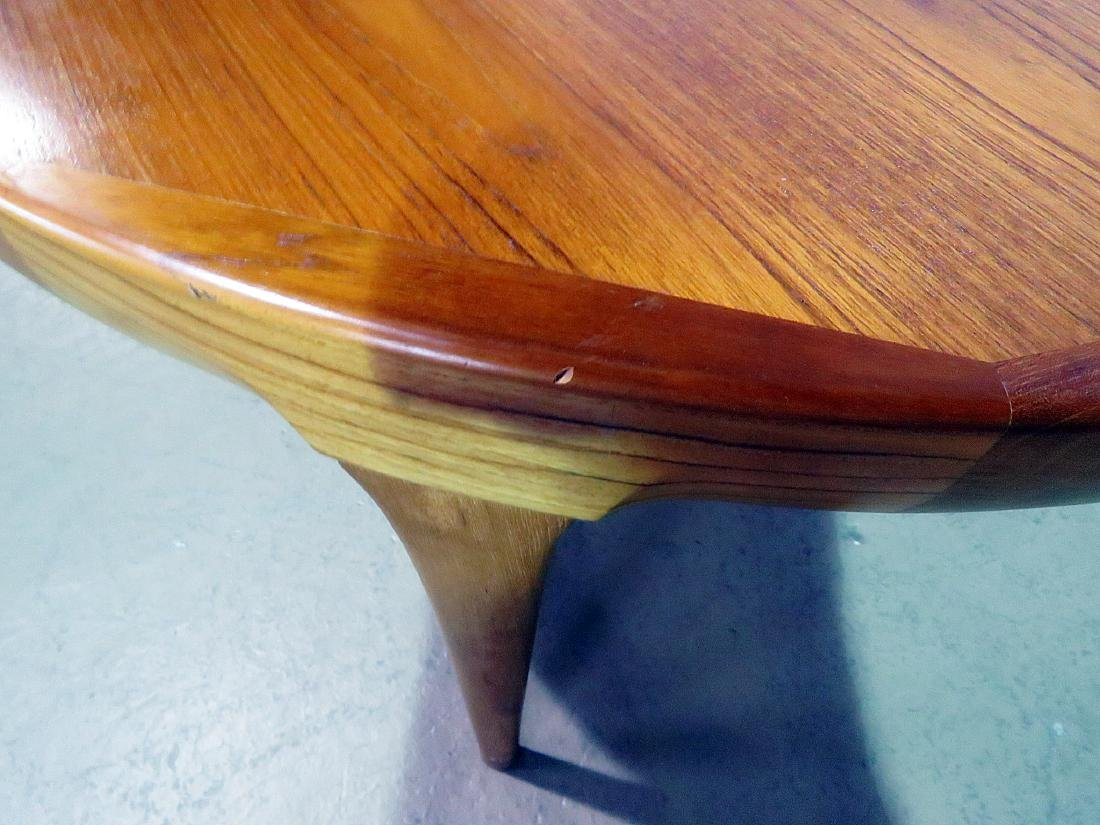 ROUND TEAK DINING TABLE attributed MOLLER - 4