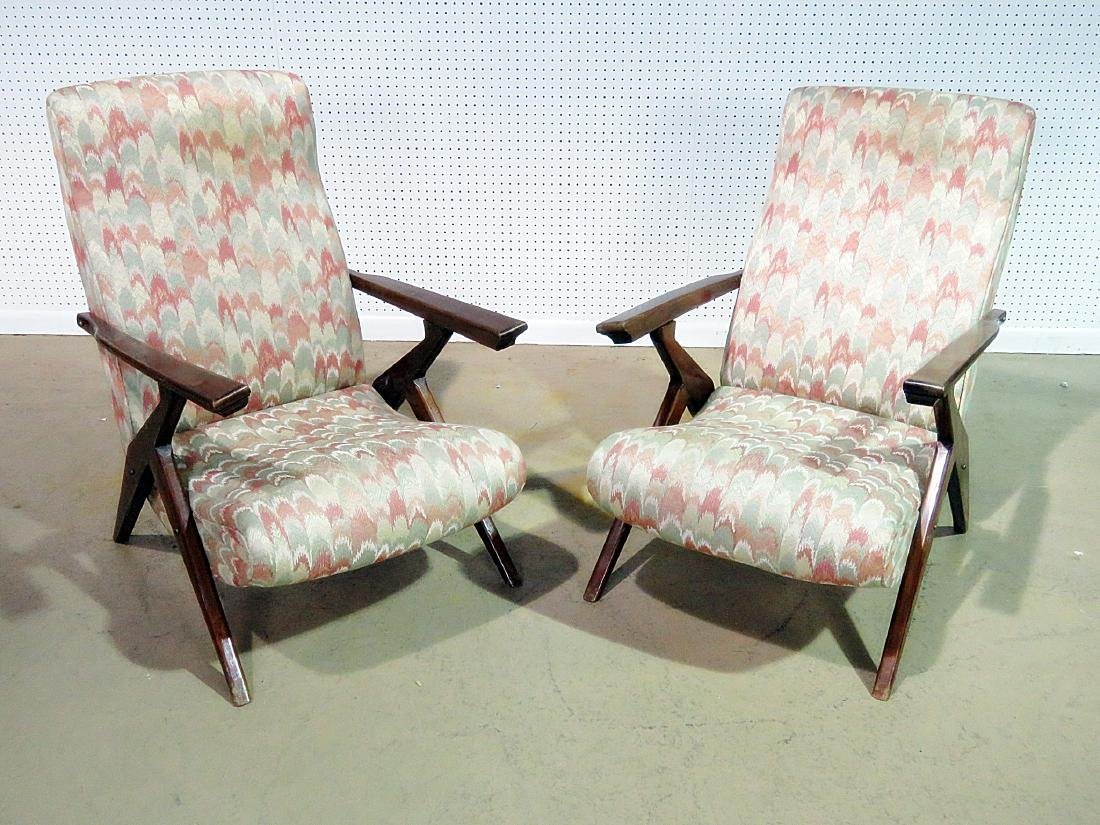 Pair Z STYLE LOUNGE CHAIRS - 2