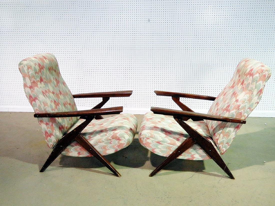 Pair Z STYLE LOUNGE CHAIRS - 4