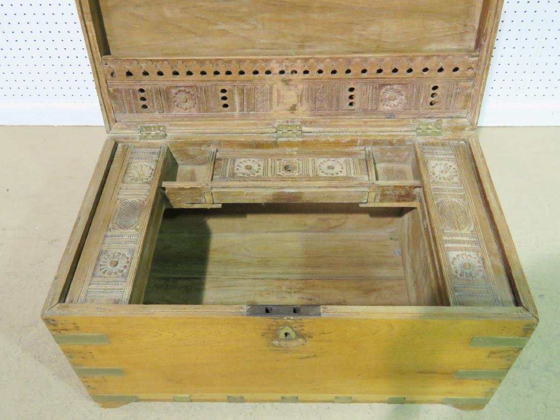 ANTIQUE CAMPAIGN TRUNK - 6
