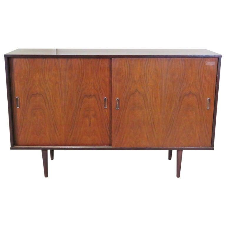 MID CENTURY MODERN ROSEWOOD CREDENZA