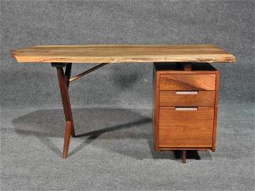 NAKASHIMA CROSS LEGGED DESK