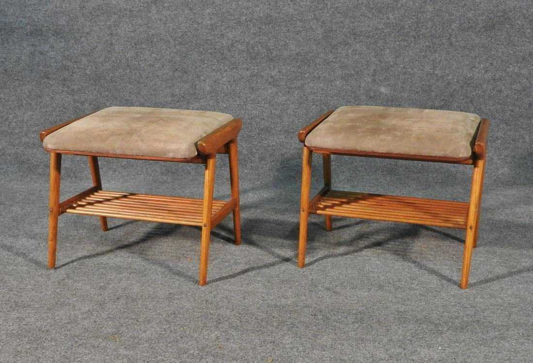 Picture of: Pair Mid Century Modern Ottomans Sep 23 2020 Ss Auction Inc In Nj