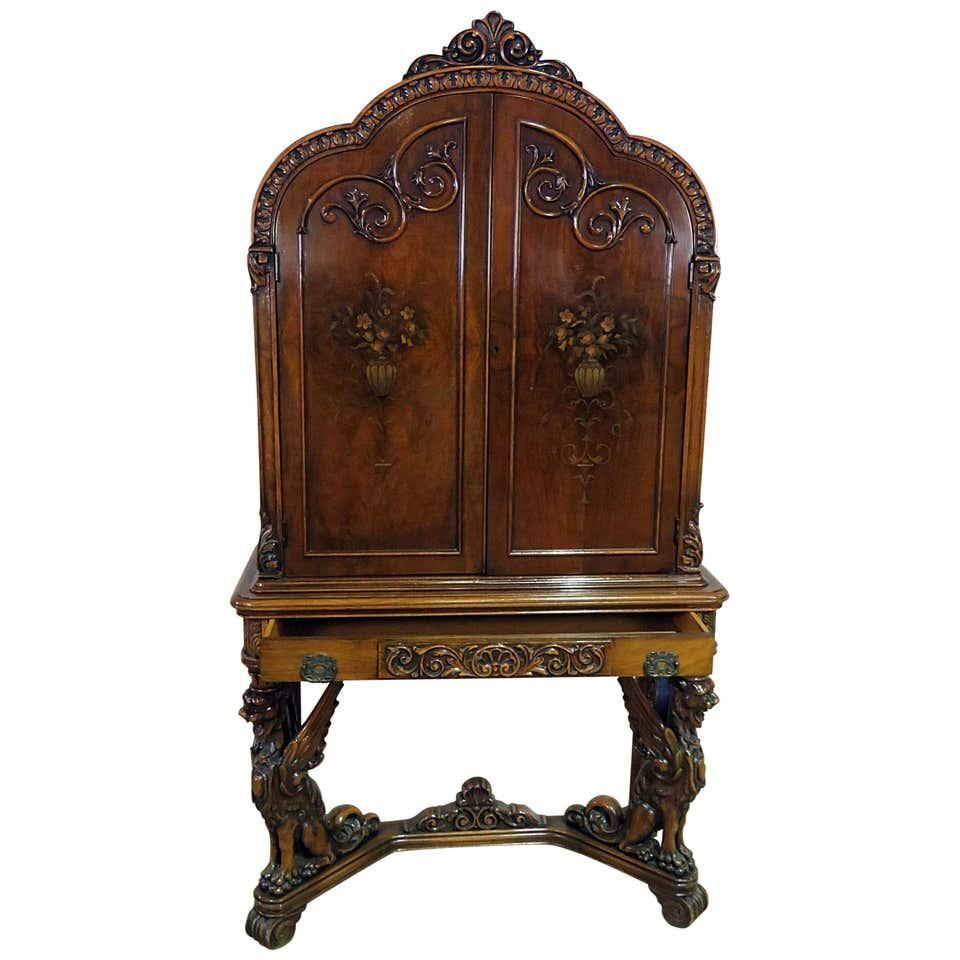 RENAISSANCE STYLE WING GRIFFIN CABINET
