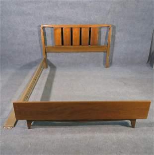 WALNUT FULL SIZE BED
